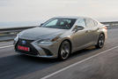 Lexus ES 2019 first drive review - hero front