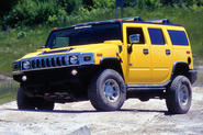 Hummer H2 - stationary front