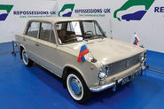 Lada 1200 - static front