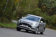Mitsubishi Outlander PHEV cornering - front