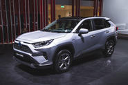 2019 Toyota RAV4 unveiled with tough new look