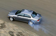 Jaguar S-Type V8 drifting