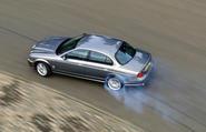 Jaguar S-Type V8 drifting