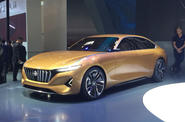 New Hybrid Kinetic Group H500 saloon makes Beijing appearance