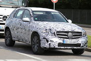 Next Mercedes-Benz GLK spotted ahead of 2015 launch