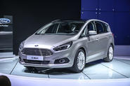 Wraps come off the new Ford S-Max in Paris