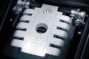 Benz readies 'V12 super diesel'