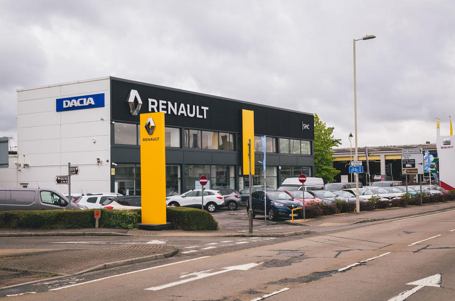 1-renault-car-dealership.jpg?itok=epvzKB