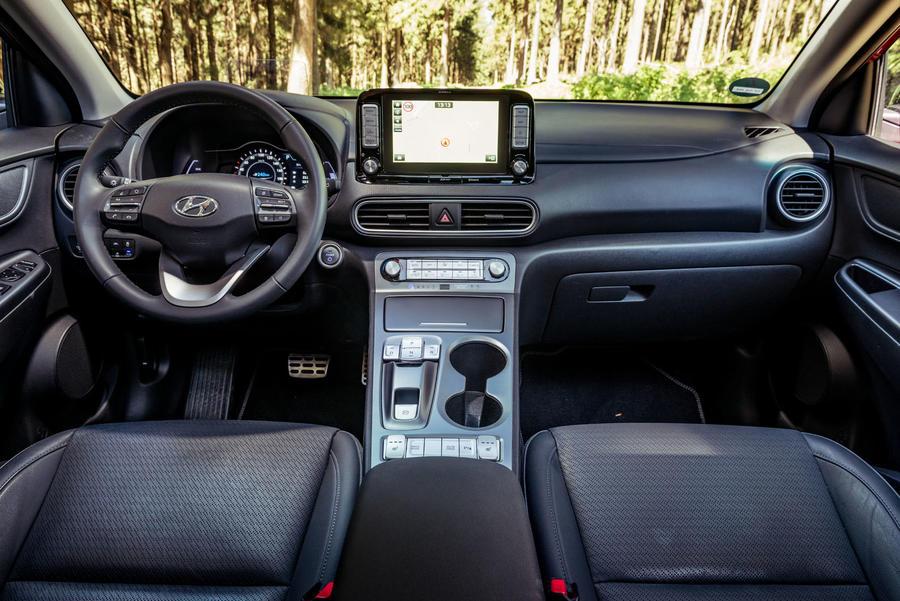 11-hyundai-kona-ev-prototype-drive-dashboard taciki.ru