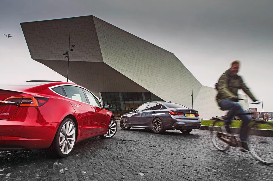 Épreuve de force berline: 2019 Tesla modèle 3 vs nouvelle BMW Série 3 1 luc static4