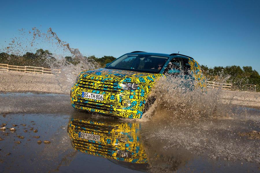 4-volkswagen-t-cross-prototype-2018-fd-wading-splash taciki.ru