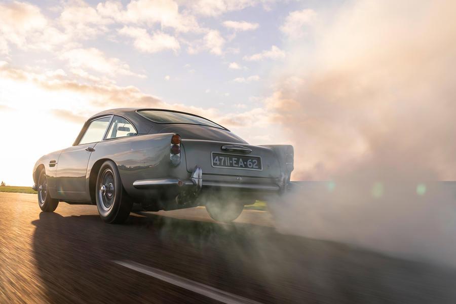 79 aston martin db5 goldfinger road test 2021 tracking smokescreen