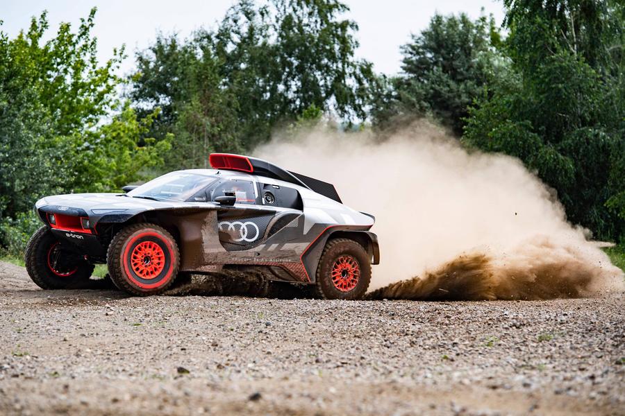96 audi dakar racer official images dust