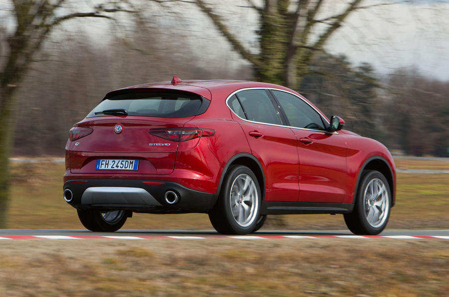 alfa romeo stelvio 2 0 280 super awd 2017 review autocar. Black Bedroom Furniture Sets. Home Design Ideas