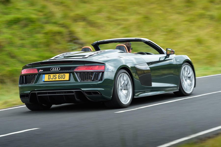 Audi R8 Spyder V10 Plus 2017 Review