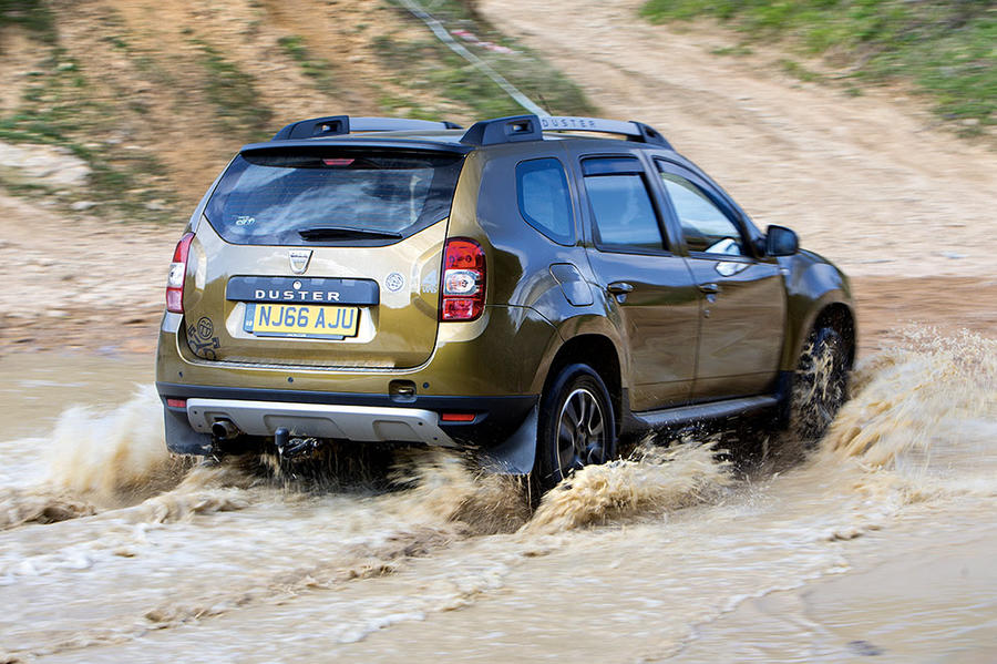 Dacia Duster Back