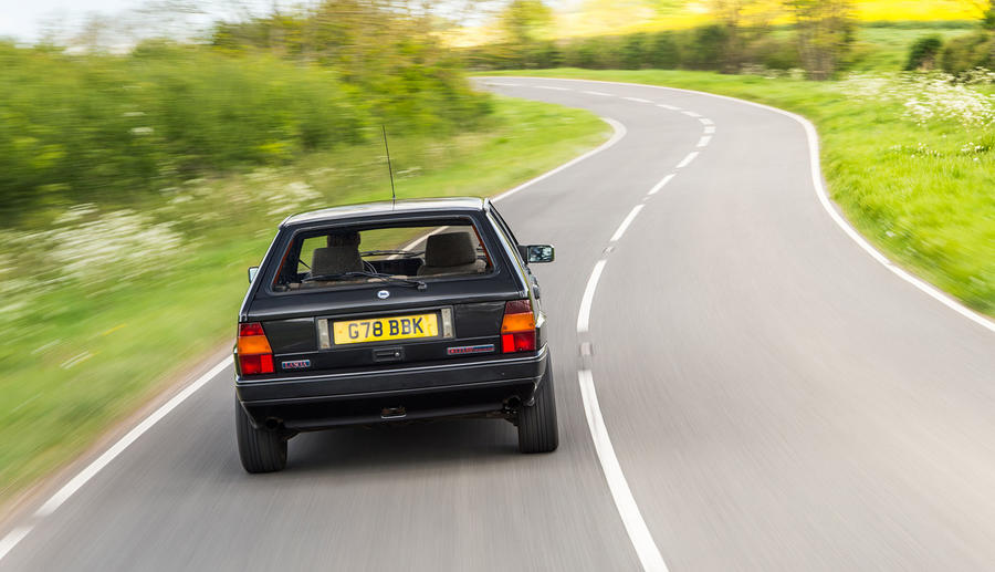 Lancia_Integrale_classic_car
