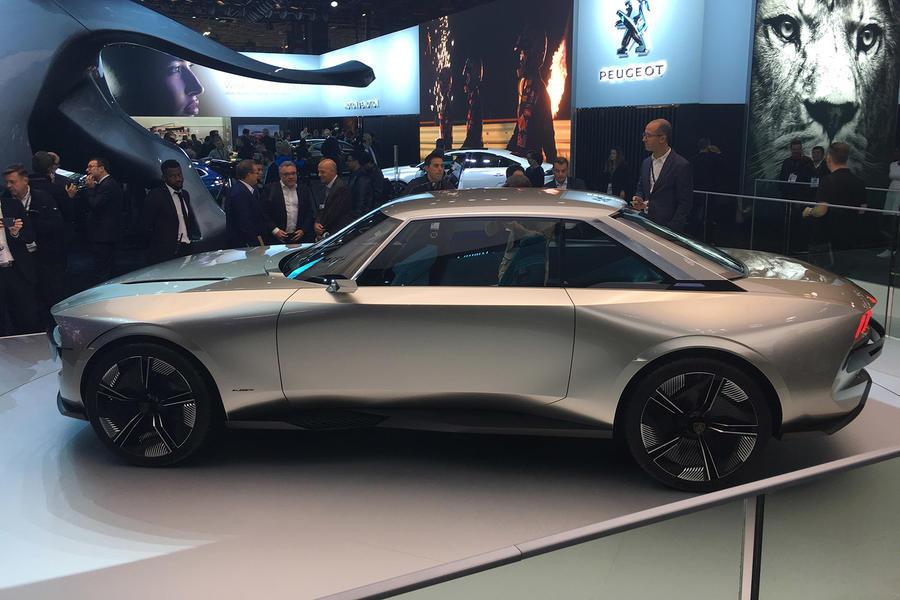 Paris Motor Show Full Report Autocar - Car show wheel stands