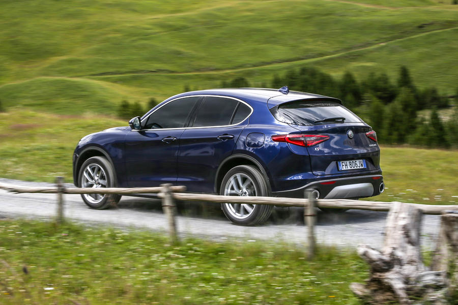 alfa romeo stelvio 2 0t super q4 2017 review autocar. Black Bedroom Furniture Sets. Home Design Ideas