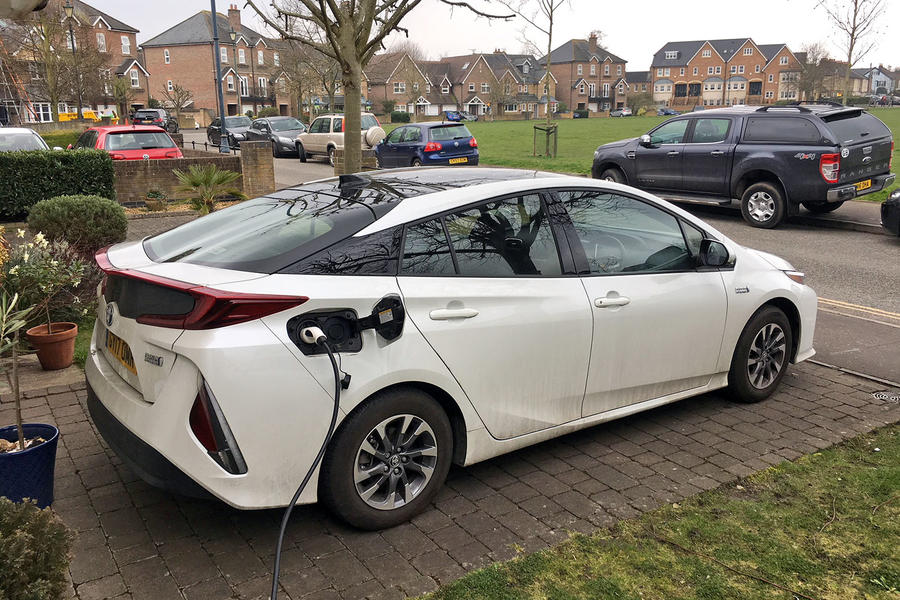 Toyota Plug In Hybrid >> Toyota Prius Plug In Long Term Review Six Months With The