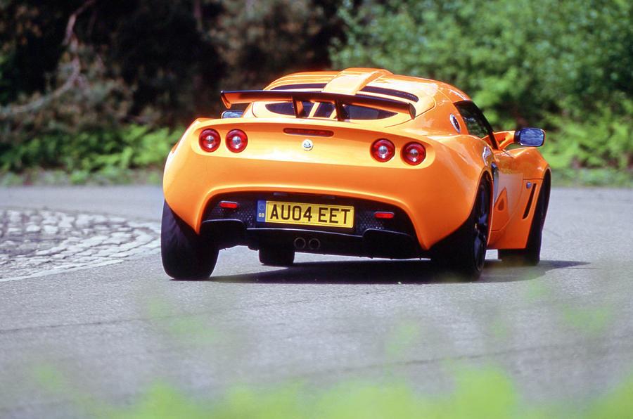 Lotus Ford battery powered steel car w/ original box RARE Alle Artikel in Elektrisches Spielzeug