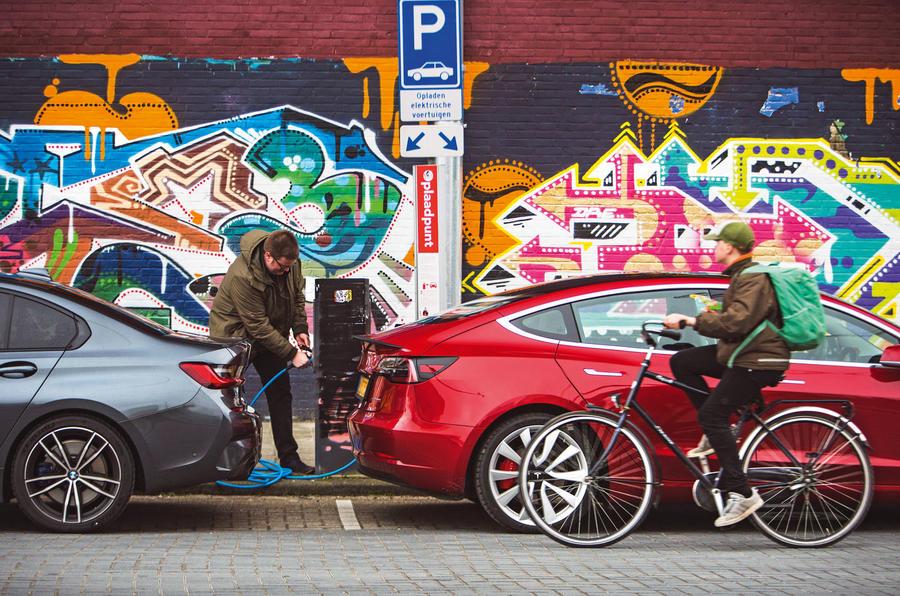 Épreuve de force berline: 2019 Tesla modèle 3 vs nouvelle BMW Série 3 untitled5