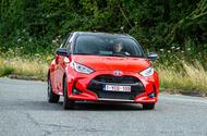 Toyota Yaris hybrid 2020 - front