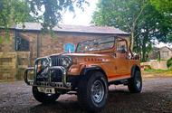 Jeep CJ-7 - front