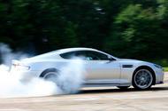 99 BTBWD 007 siete controladores Aston DBS