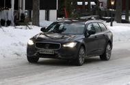 Volvo V90 facelift spyshots front