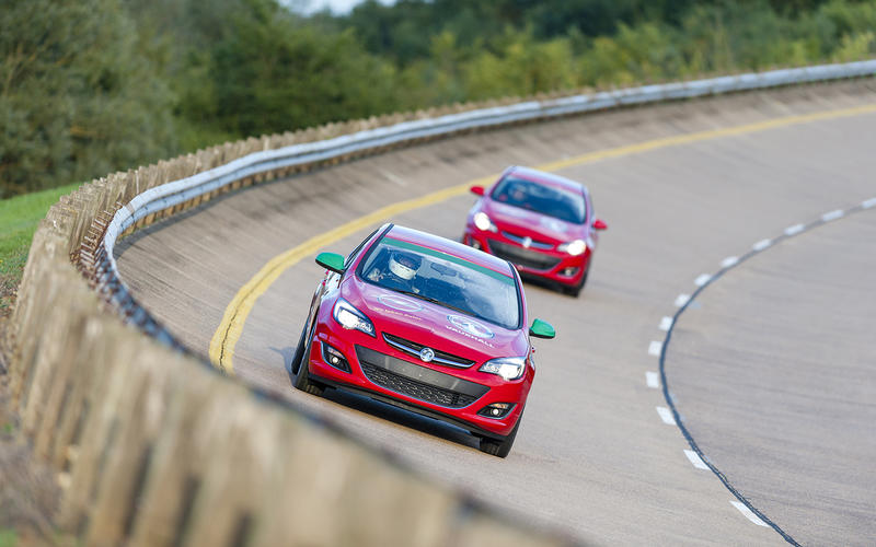 Vauxhall Astra speed endurance records confirmed