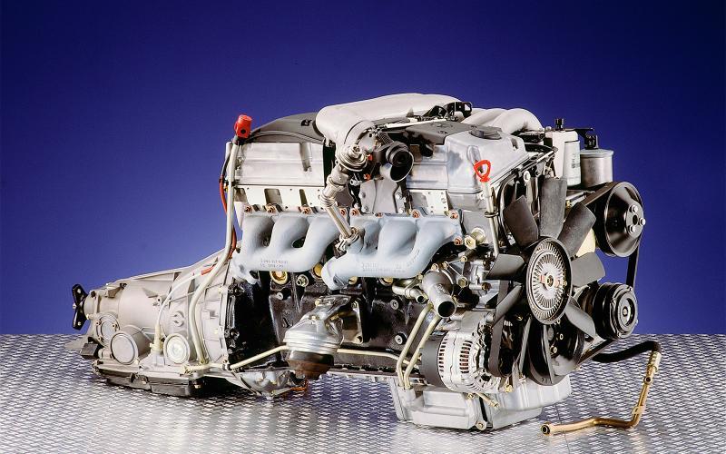 Mercedes plans return of straight-six engines