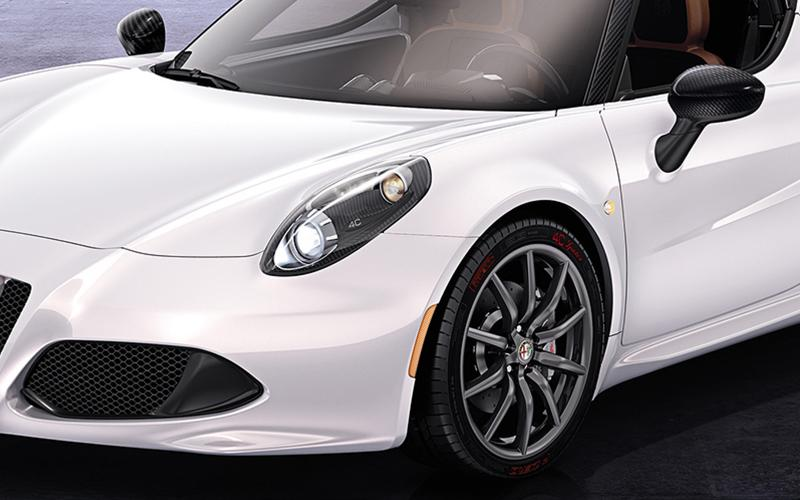 Alfa Romeo 4C Coupe offered with redesigned headlights