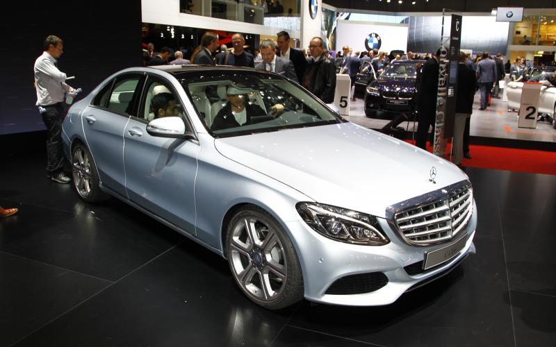 No 3-cyl engines for big Mercedes models