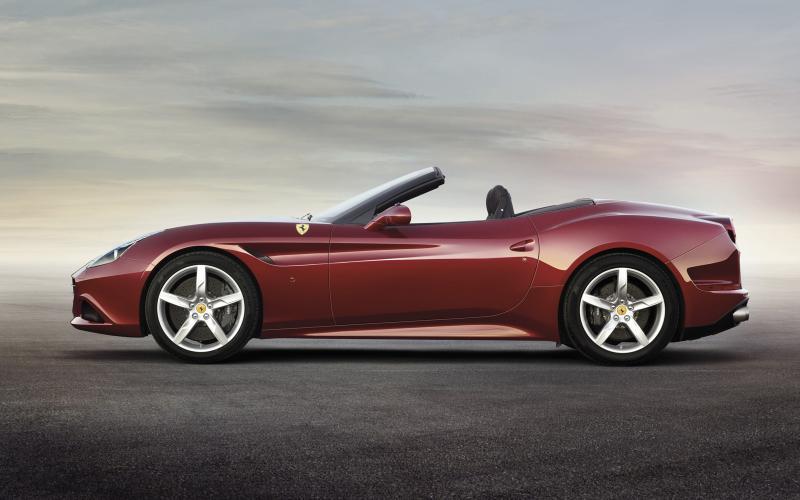 Facelifted Ferrari California revealed