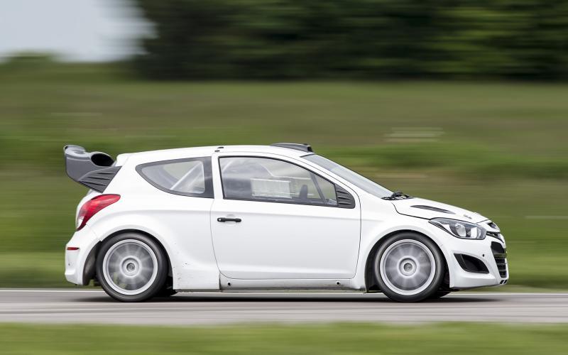 Hyundai WRC car begins testing