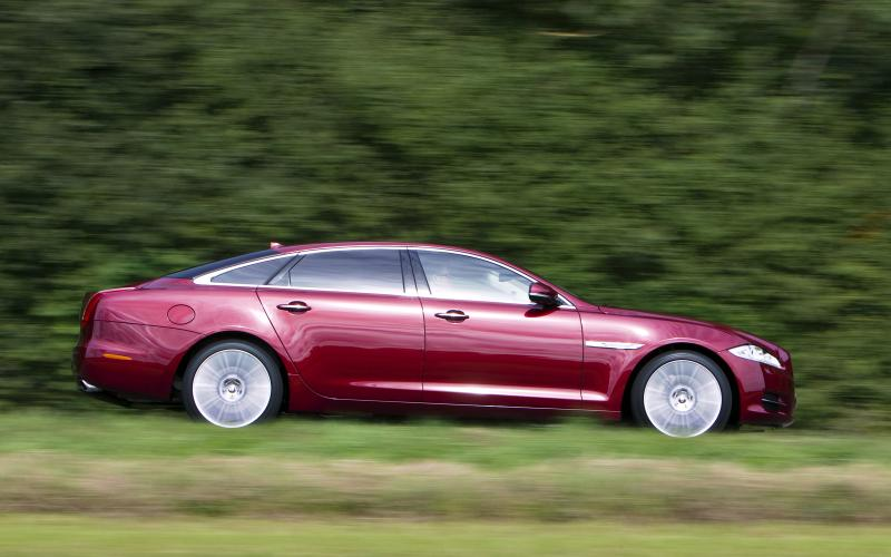 Jaguar XJ suffers production line trouble