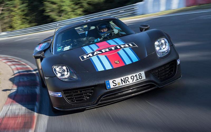 Porsche 918 Spyder sets new Nurburgring lap record