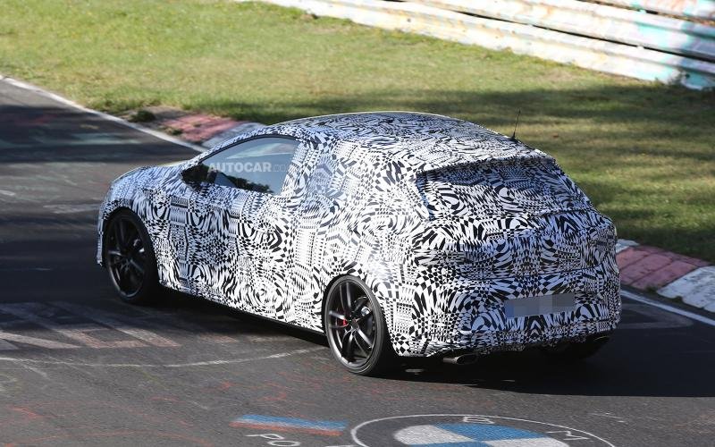 Seat Leon Cupra spotted - first pictures