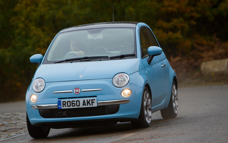 Fiat 500XL revealed in factory spy shot