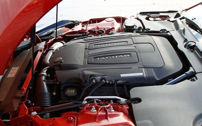 Comparison: new Jaguar F-type R coupe vs. Porsche 911 Turbo S