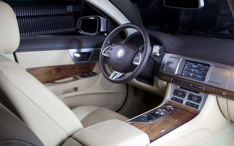 New York motor show: new Jaguar XF