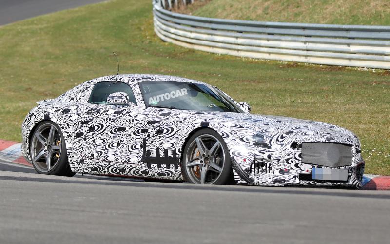 New Mercedes-Benz GT AMG sets sights on Porsche 911