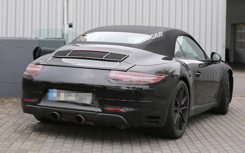 Porsche readies facelited 911 for 2015 launch