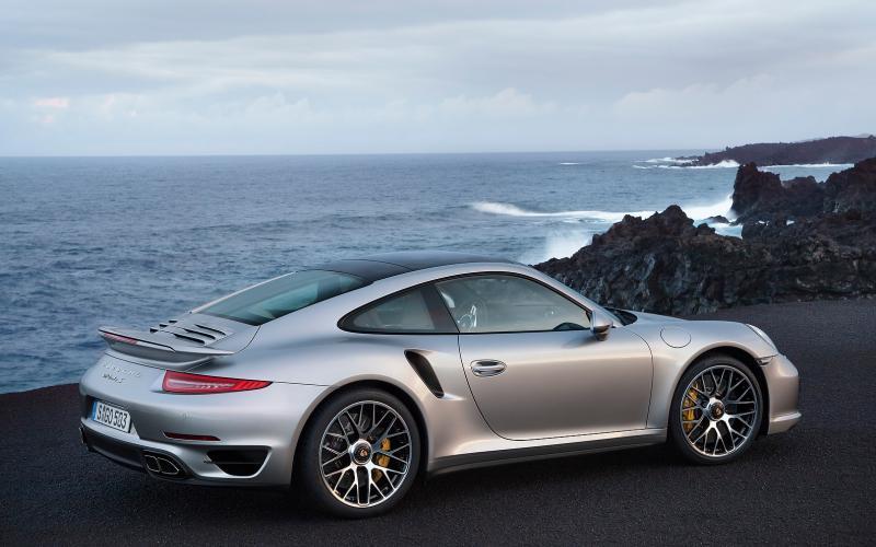 New 2013 Porsche 911 Turbo revealed