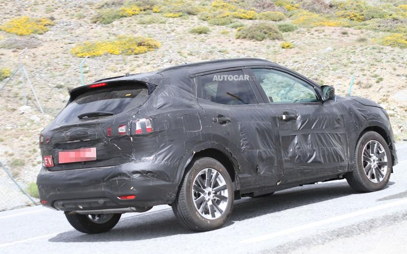 "Electric Nissan Qashqai ""a possibility"""