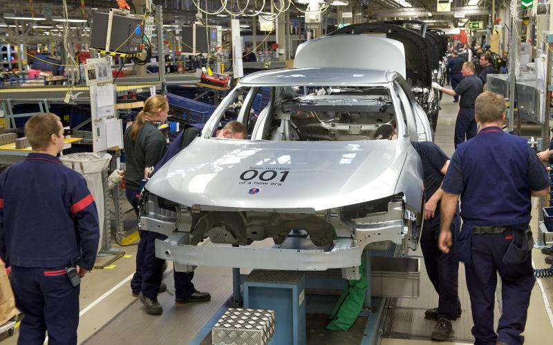 Saab production resumes