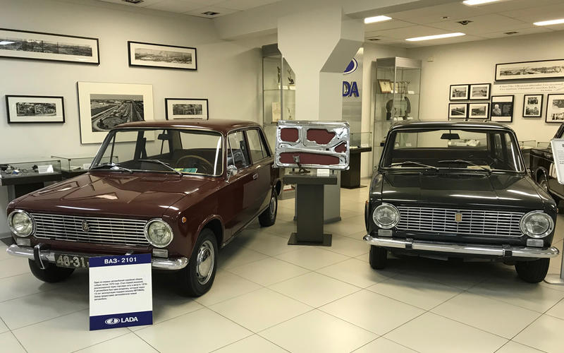 Lada Vaz 2101 and Fiat 124
