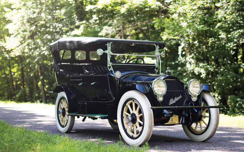 Packard Twin-Six (1915)