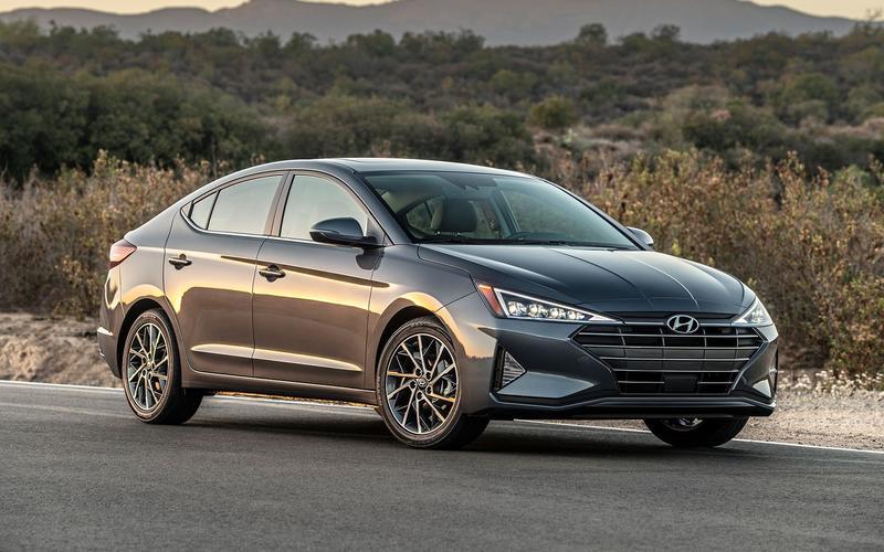 20: Hyundai Elantra – 513,813